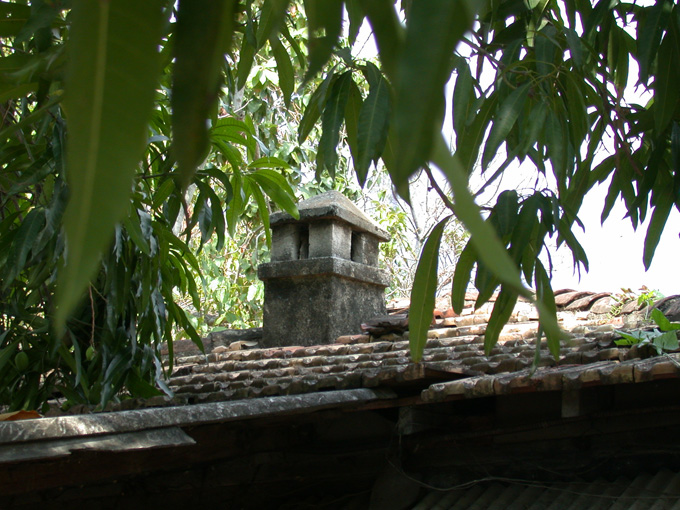 Colonial chimney