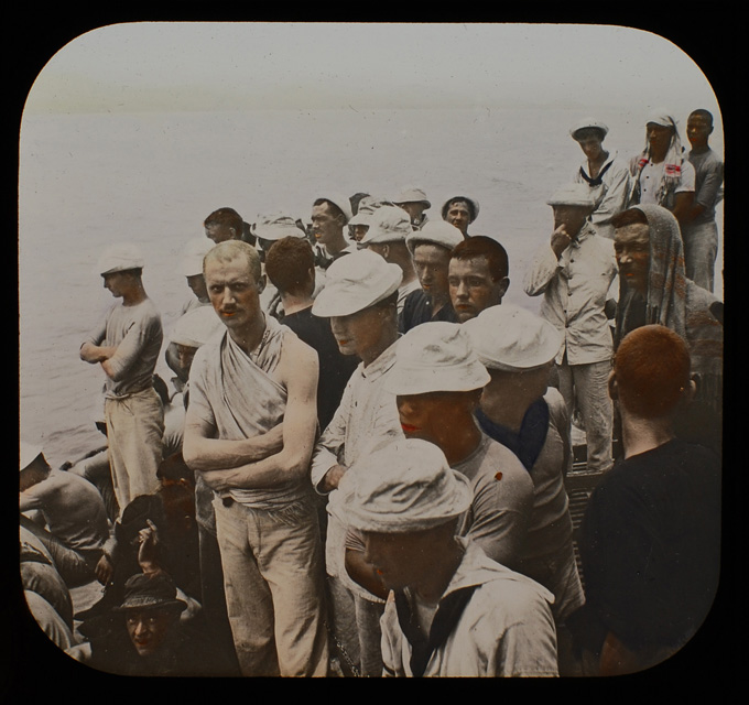 Crew of the 'Texas' watching battle